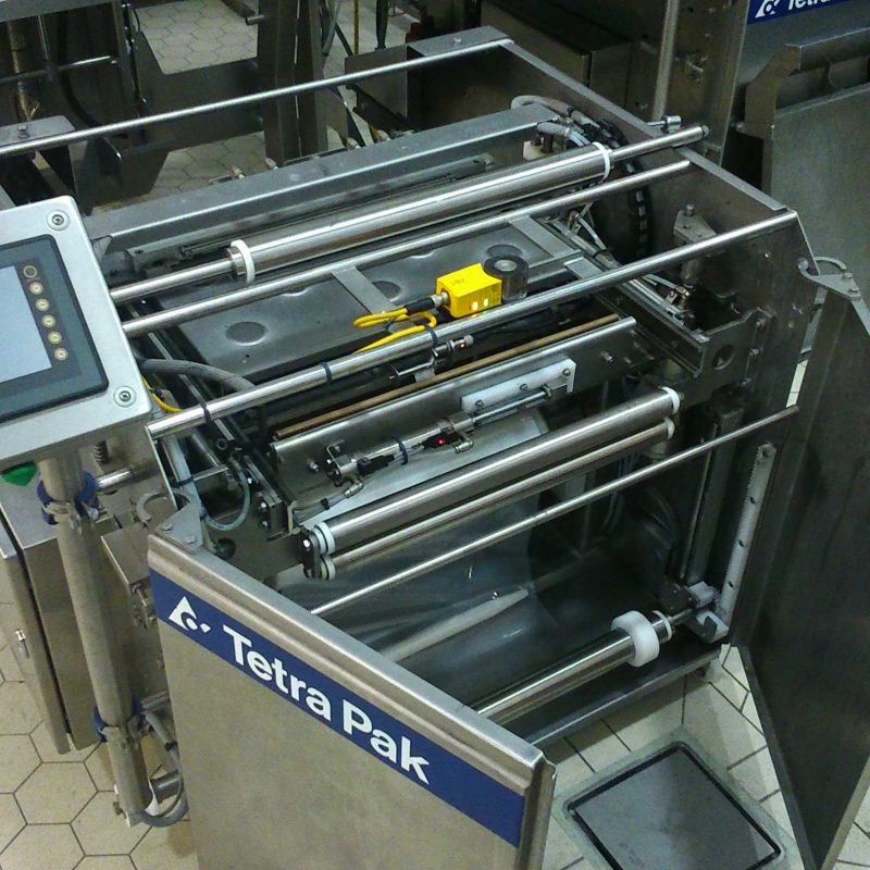 TETRA-PAK-BAG-MAKING-MACHINE-SERVICE-WORK-replacing-maintance-parts-to-ensure-correct-opperation-and-performance-of-machine
